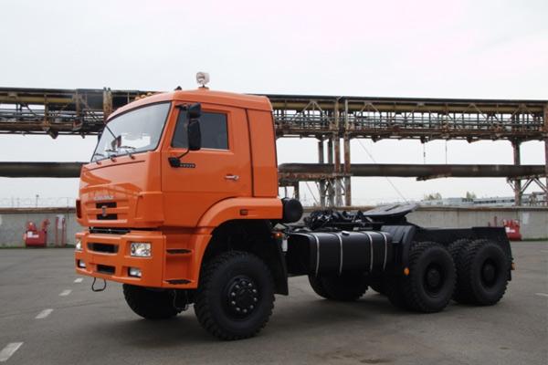 Седельный тягач «КамАЗ 65225»